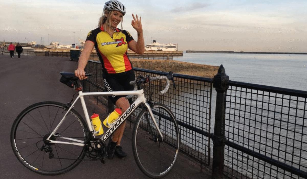 Equipa de ciclismo composta por atrizes porno foi proibida de se tornar profissional