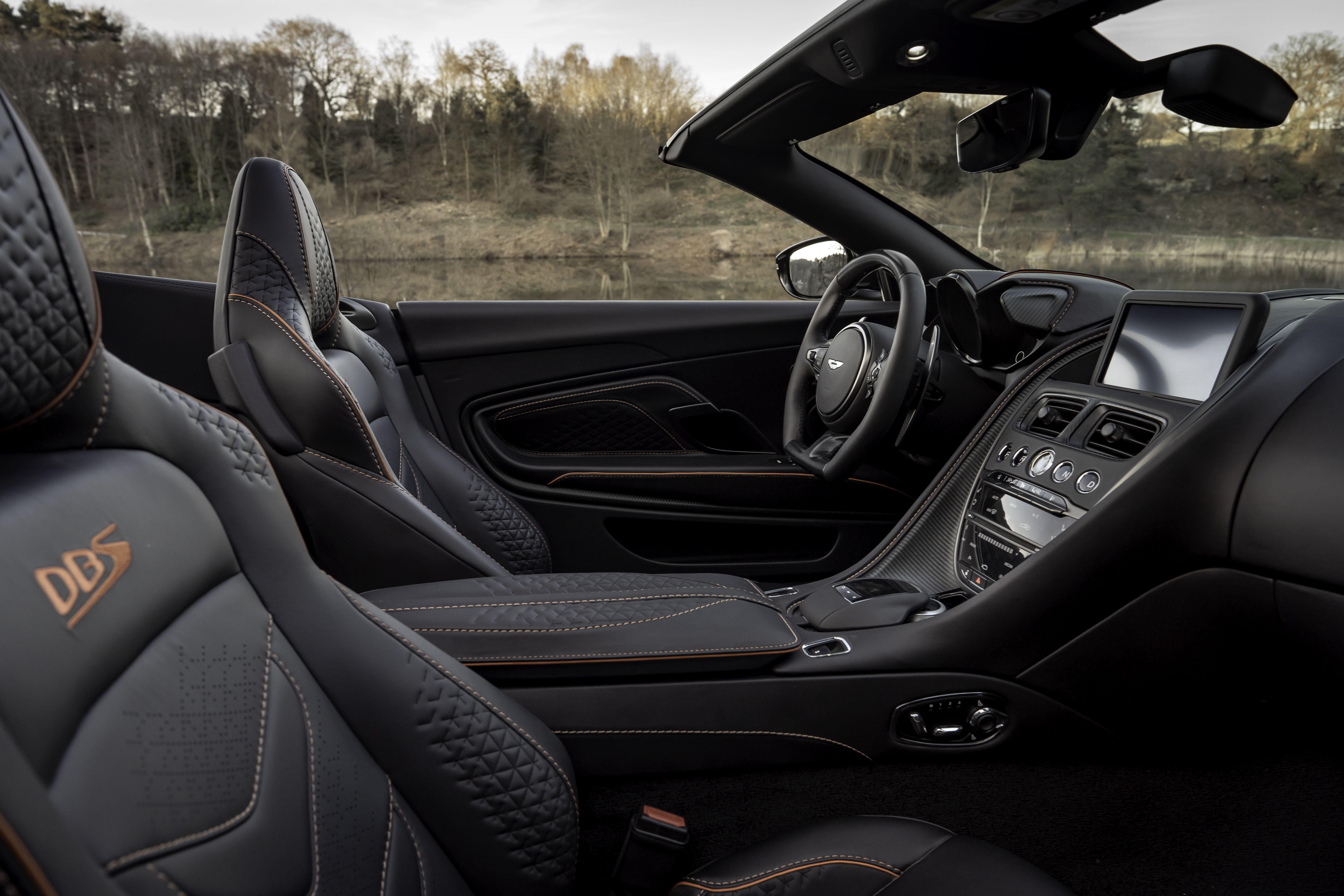 DBS Superleggera Volante, nunca um Aston Martin descapotável foi tão rápido