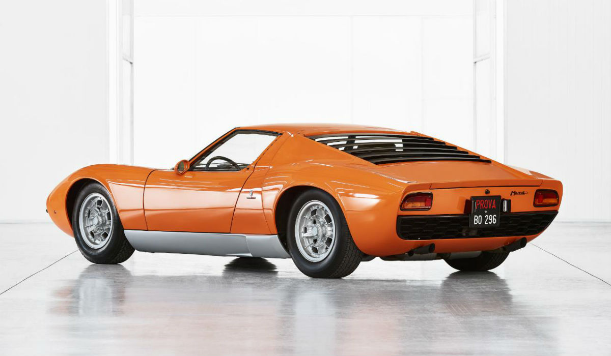 "Este é o Lamborghini Miura original do filme ""The Italian Job"""