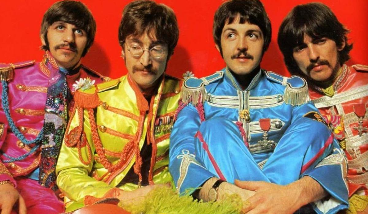 O dia em que John Lennon quis colocar Hitler num álbum dos Beatles