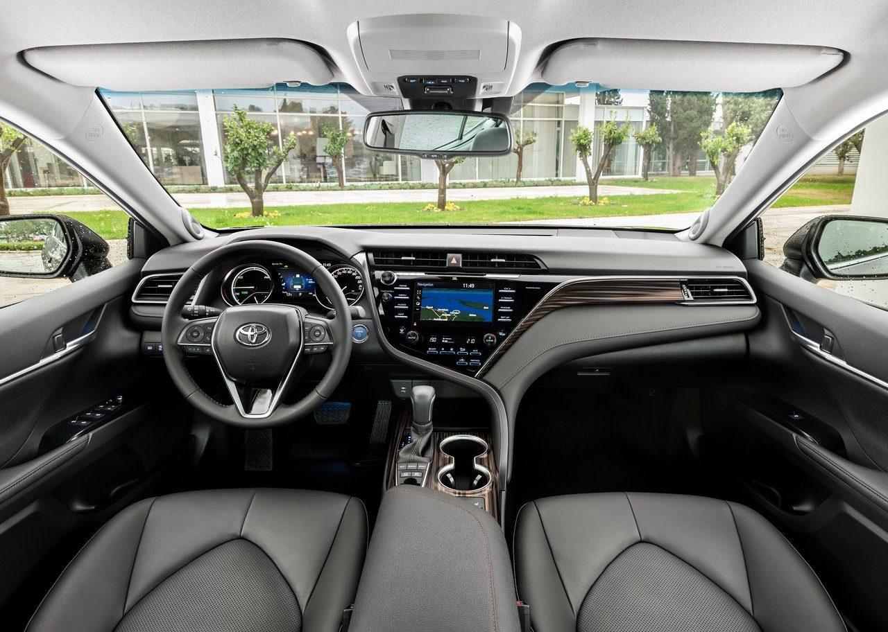 Quinze anos depois, o Toyota Camry está de regresso