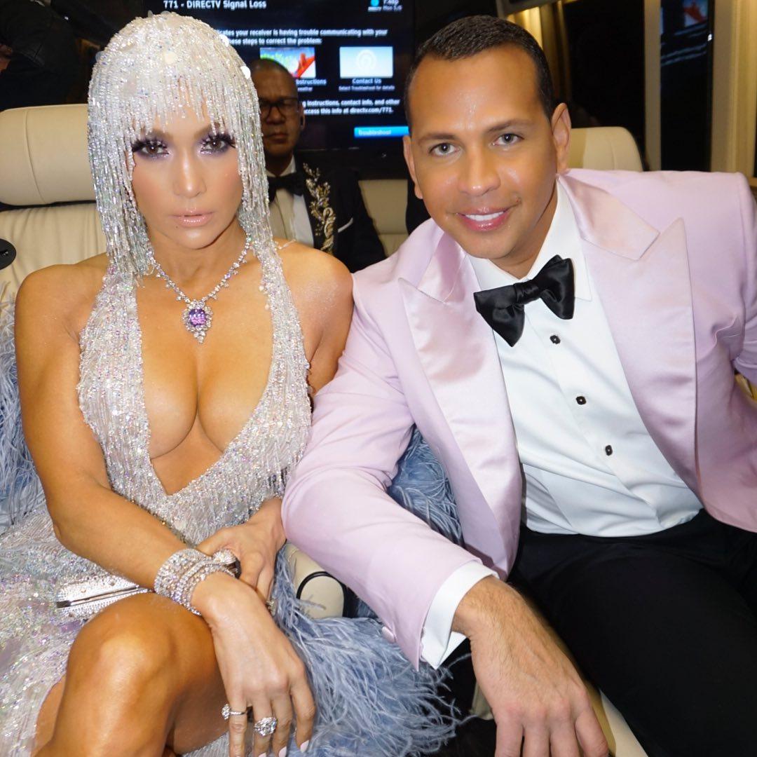 Ninguém resiste ao rabo de Jennifer Lopez