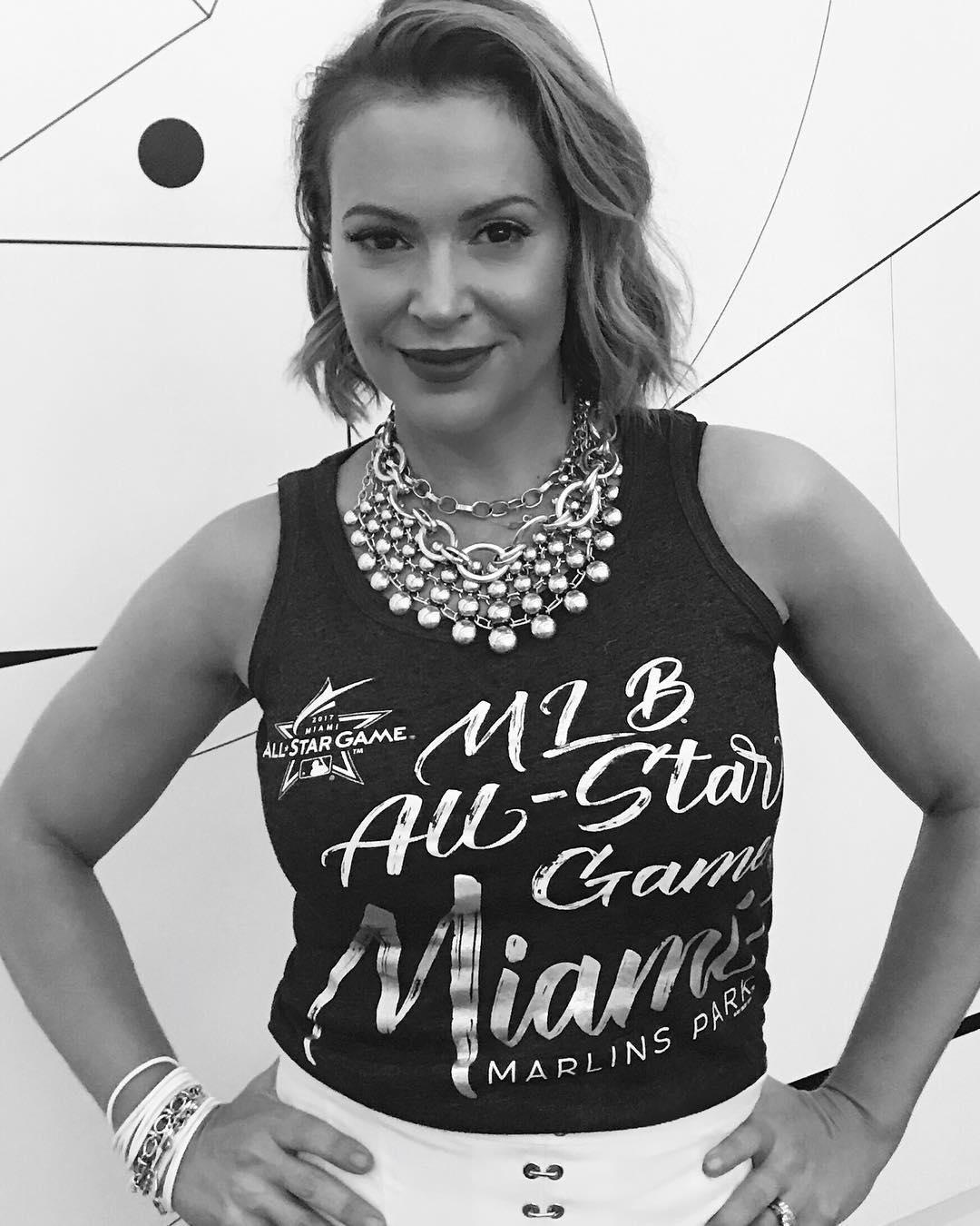 Alyssa Milano quer que seja feita uma greve de sexo