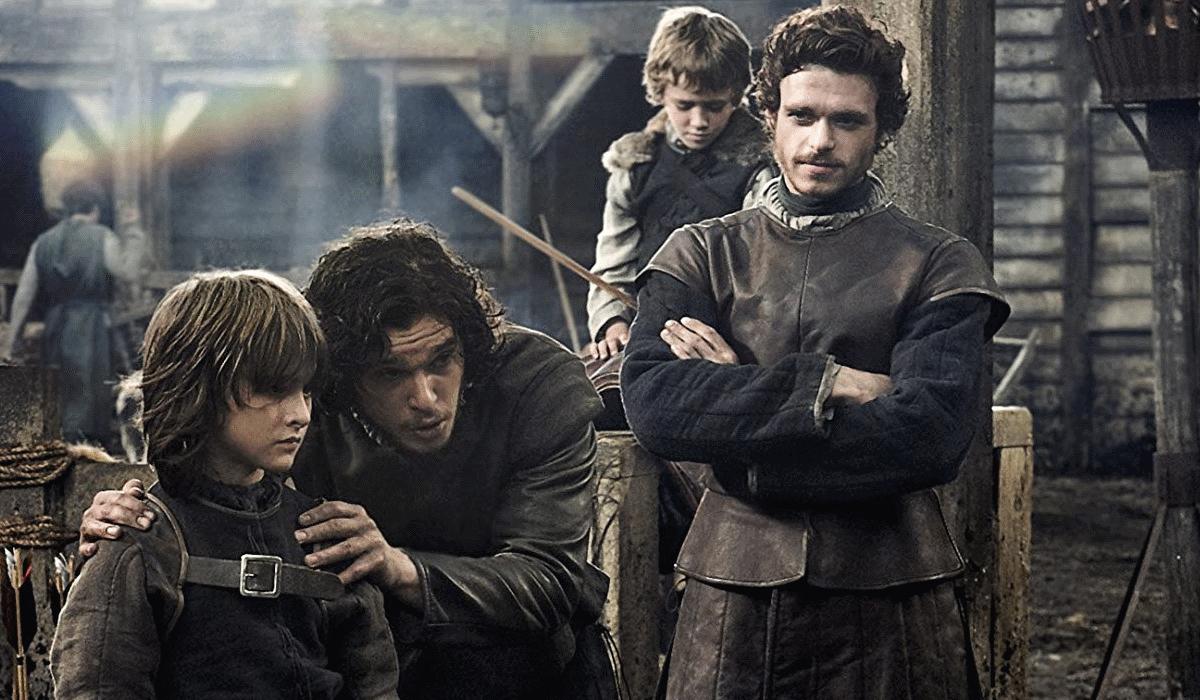"""Richard Madden defende que atores de """"A Guerra dos Tronos"""" merecem uma medalha"""