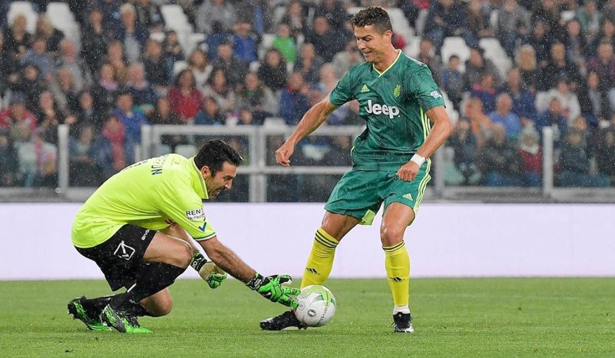 Nem a feijões! Ronaldo marca golo a Buffon em jogo solidário