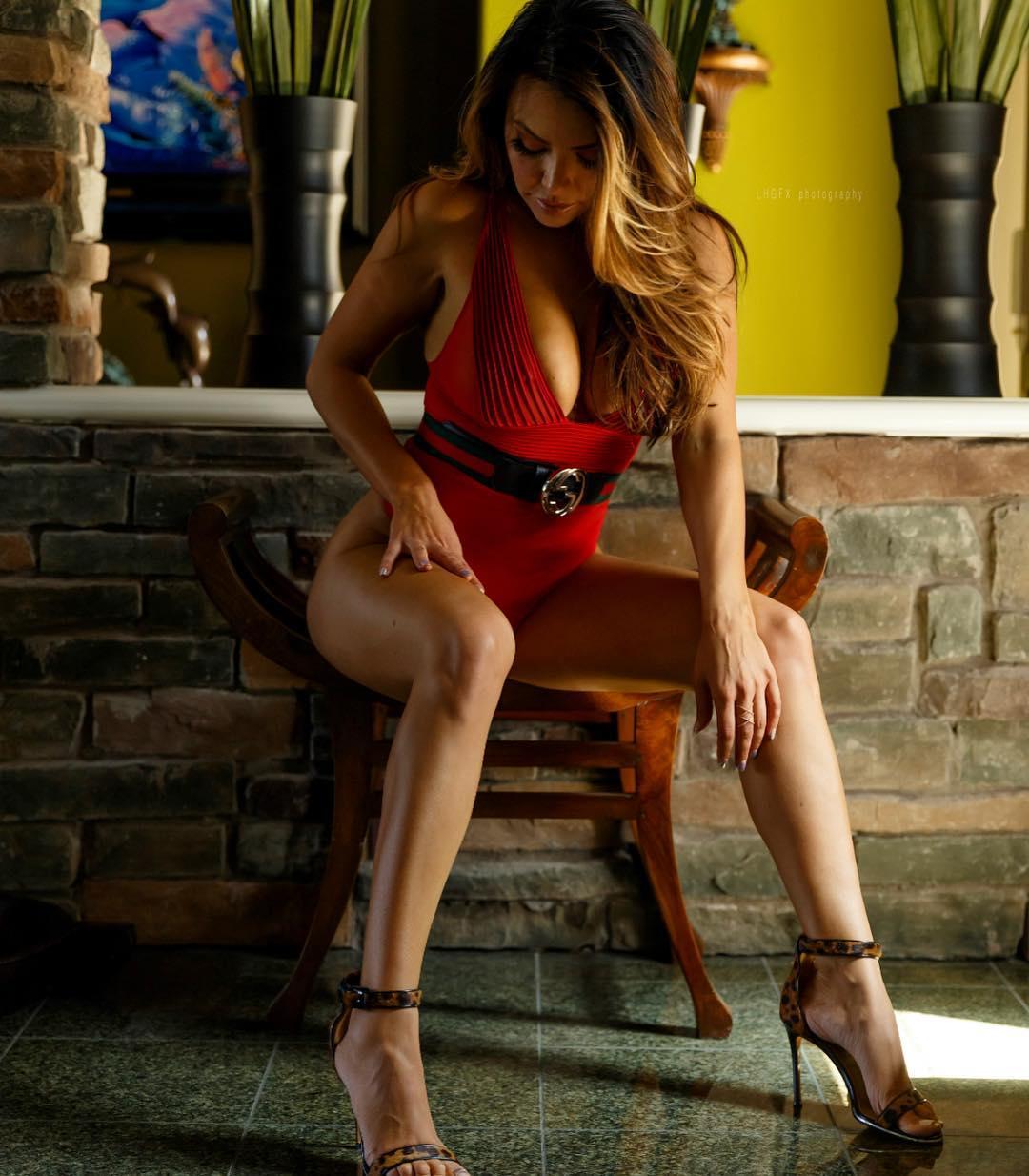 Alice Vasquez, a instrutora de yoga que é avó mais sexy do mundo