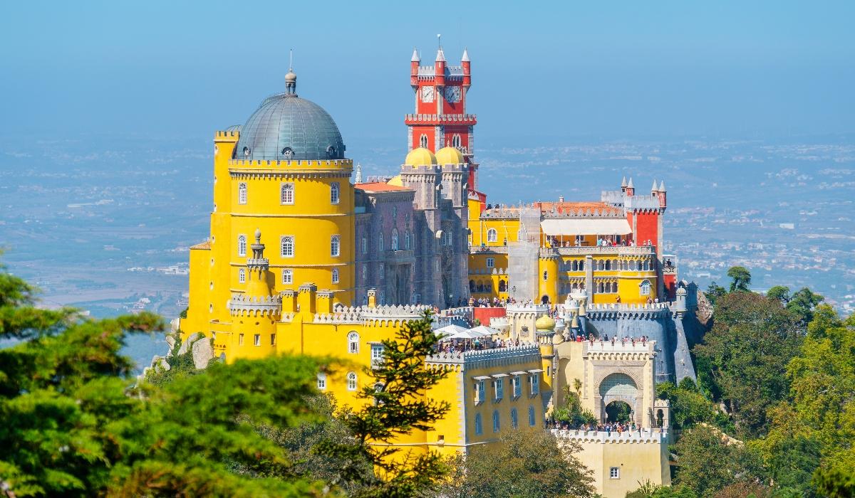 Palácios, praias, castelos e boa comida, assim é o fim de semana perfeito em Sintra