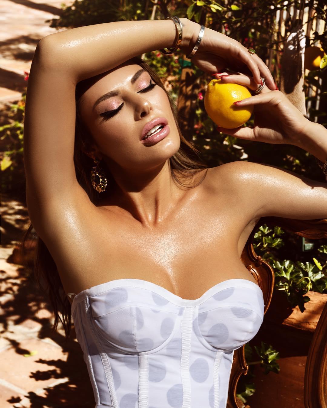 """Angela Martini: """"O segredo do sucesso está ligado a ter 50% de beleza e 50% de inteligência"""""""