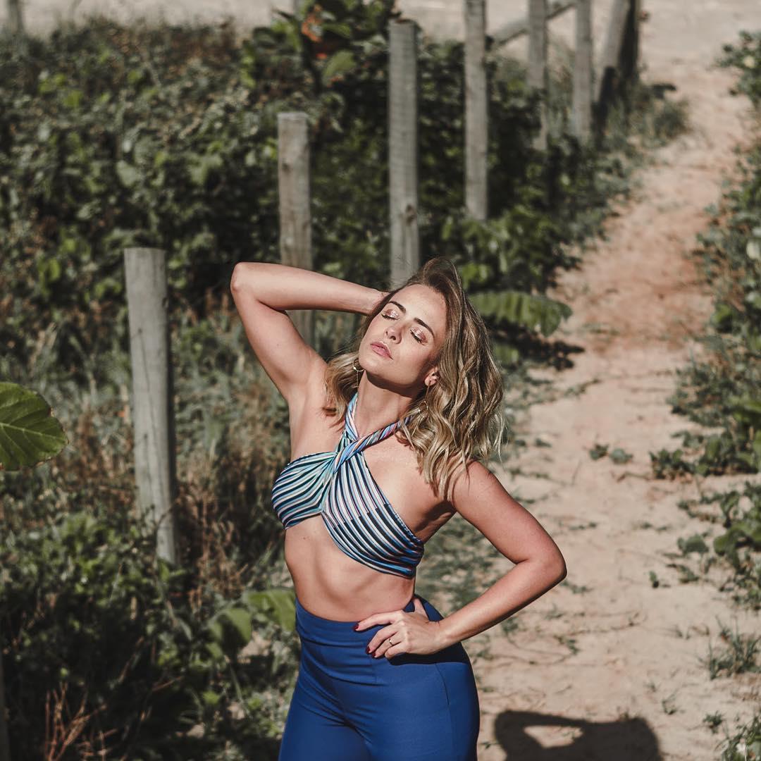 Juliana Silveira e a foto nua que deixa os fãs de Floribella à beira da loucura