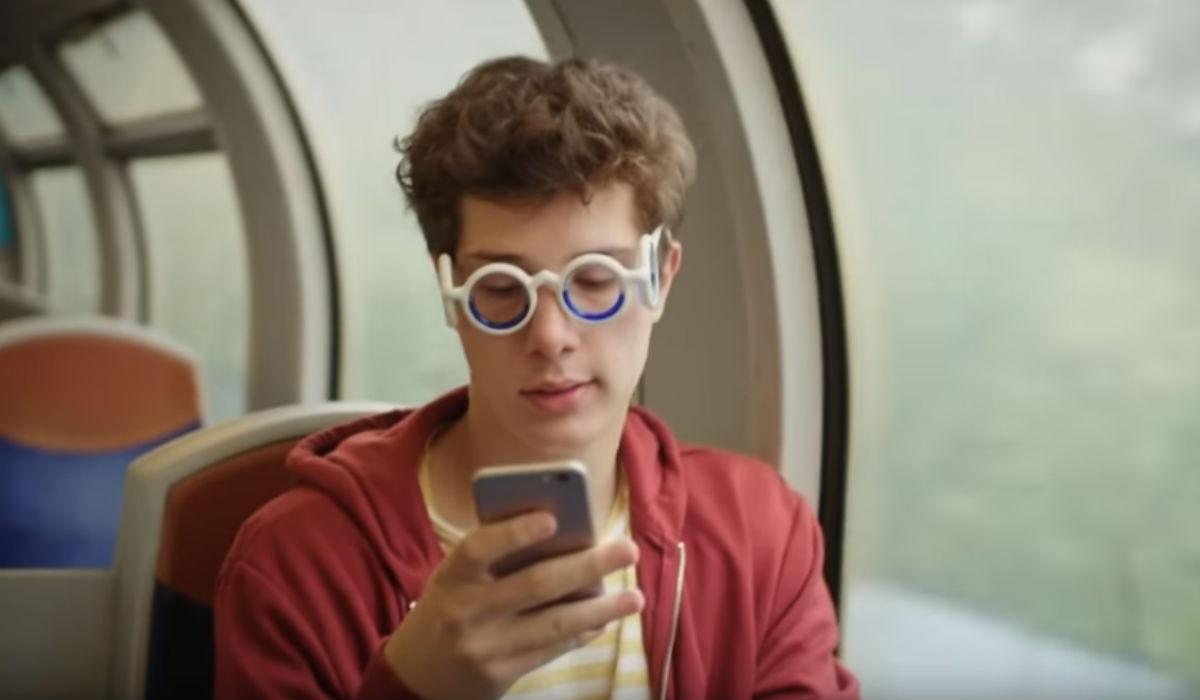 Seetroën, os óculos que acabam com o enjoo nos transportes