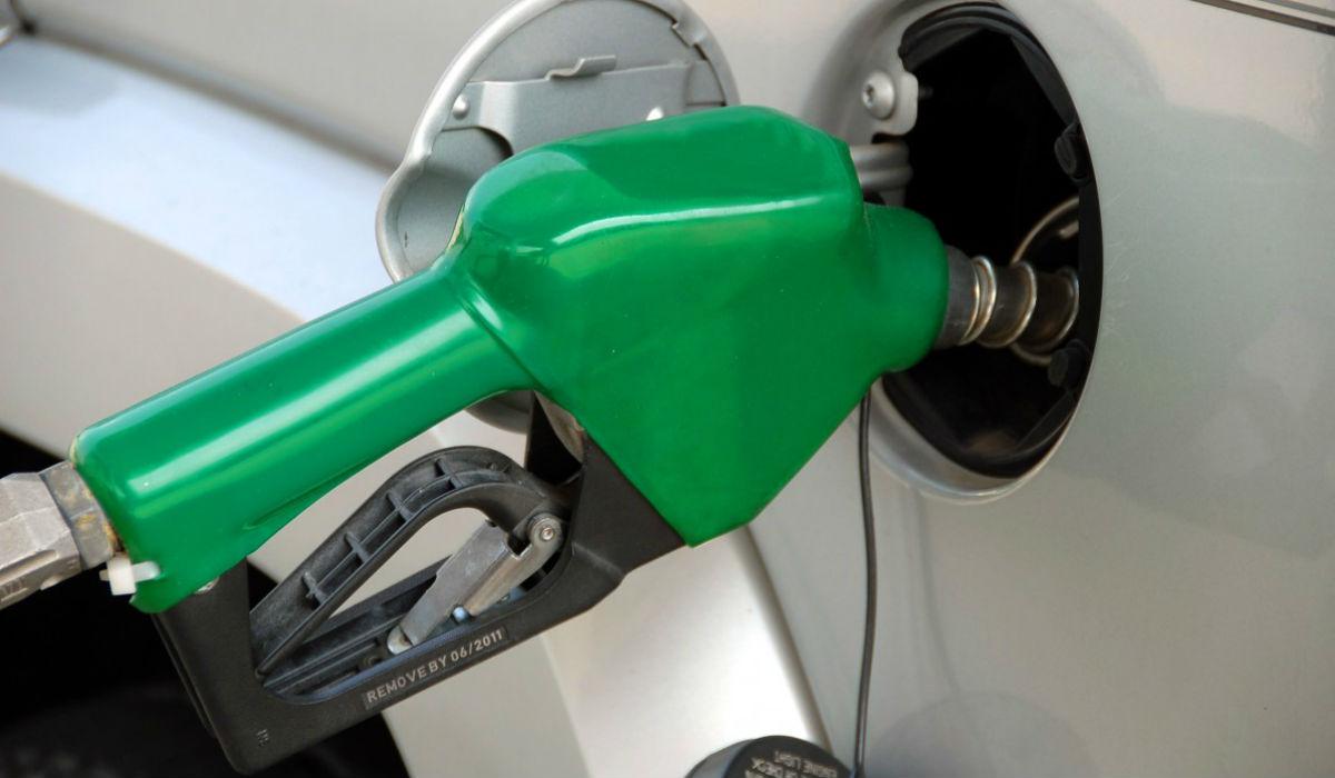 Feriados trazem descida do preço dos combustíveis