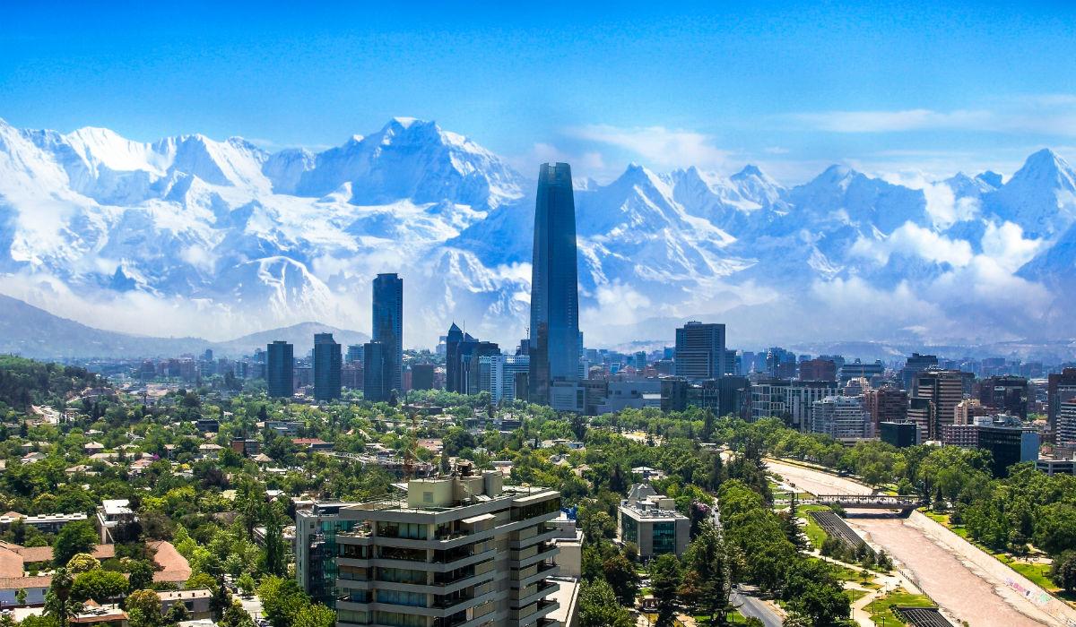 Santiago, a capital do Chile ganha mais encanto quando é verão em Portugal