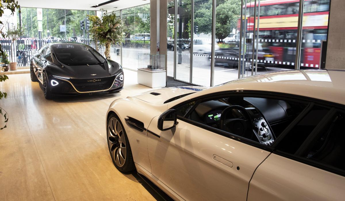 Aston Martin mostra os dois primeiros modelos elétricos da marca
