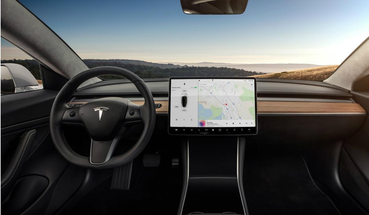Carros da Tesla vão ter Netflix e YouTube em breve