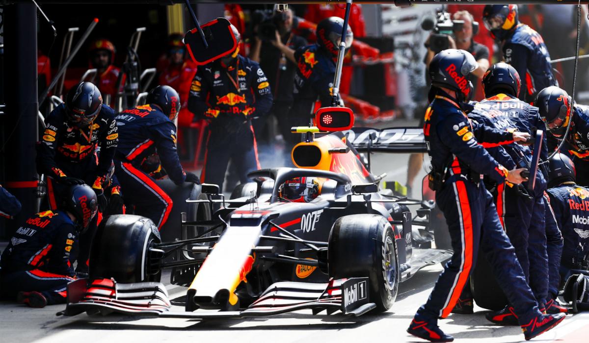 Red Bull bate recorde com impressionante paragem nas boxes
