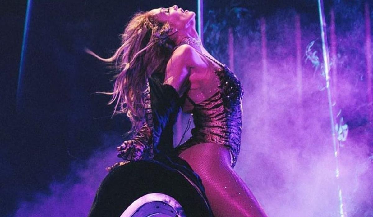 Jennifer Lopez rasga tudo com lapdance do outro mundo