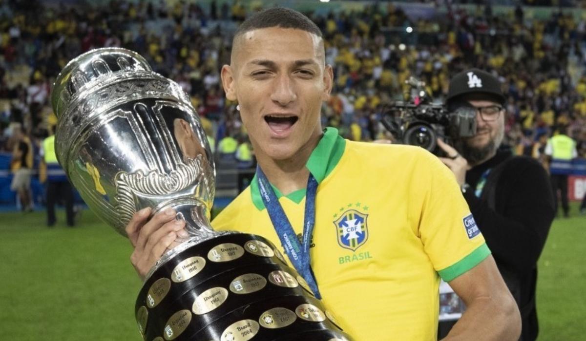 Richarlison dedica Copa América à bisavó… mas esquece-se do nome