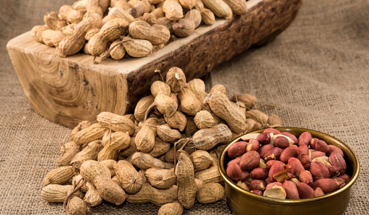 4 excelentes motivos para juntar o amendoim à sua dieta