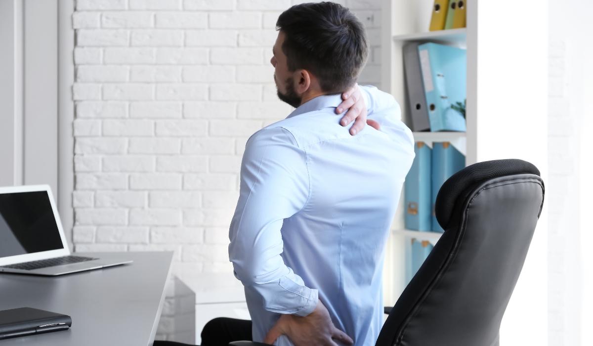 Dores nas costas: saiba quais são as principais causas
