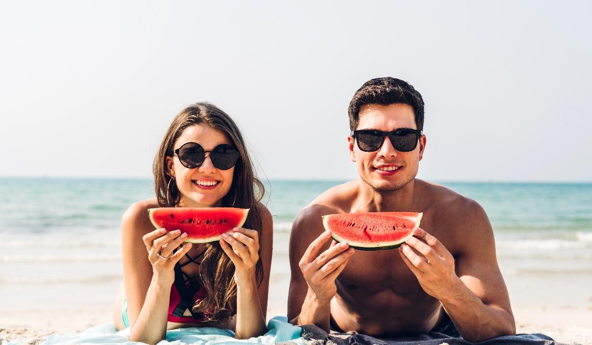 Os 5 melhores alimentos para comer nas idas à praia