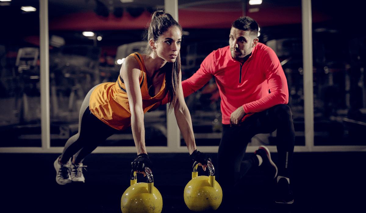 Esqueça a imagem que tem no Instagram, é isto que os personal trainers querem que saiba sobre fitness