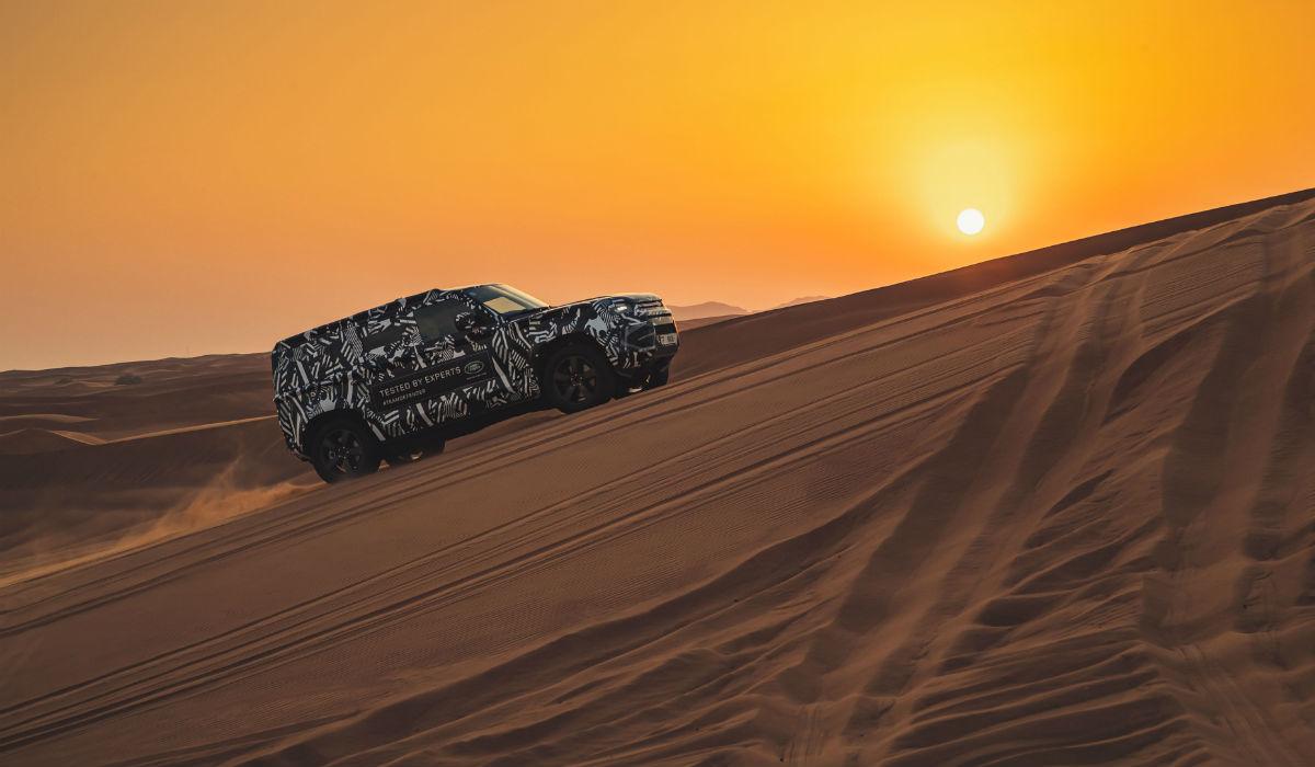 Land Rover Defender testado ao limite nas areias do Dubai