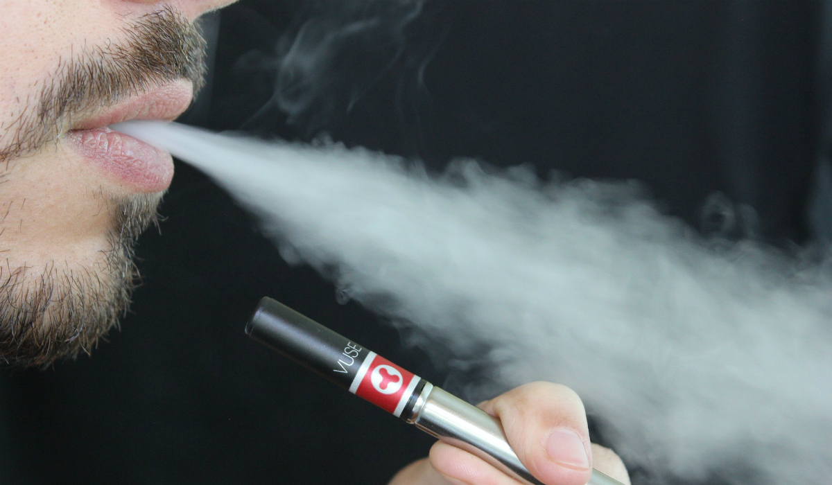Cigarros eletrónicos podem causar queimaduras e lesões na pele