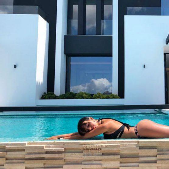 """Georgina Rodriguez aposta tudo no """"bumbum"""" (com fotos)"""