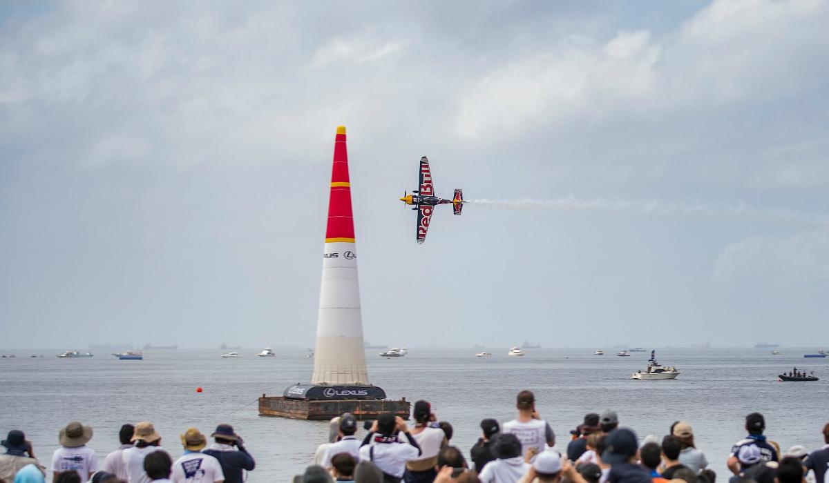 Última temporada da Red Bull Air Race termina com duelo de loucos