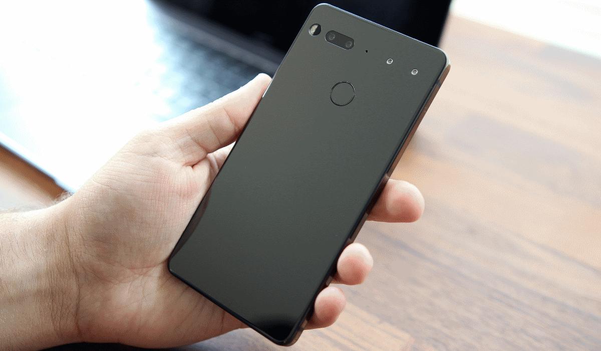 Essential revela que segundo smartphone já está em fase de testes