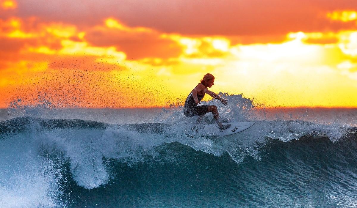 Os 6 melhores locais no mundo para surfar