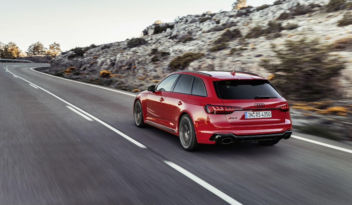 Audi RS4 Avant recebe atualização estética e tecnológica