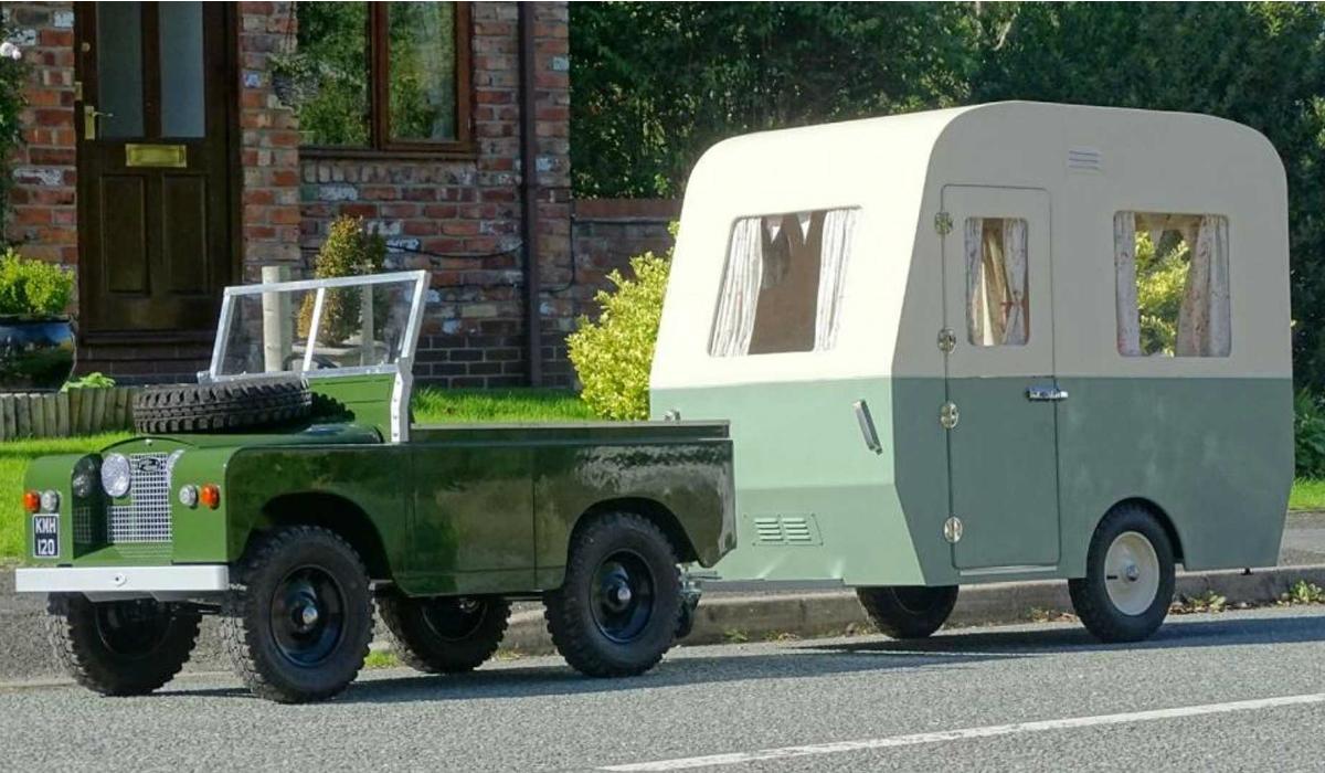 Conheça o mini Land Rover com caravana que pode ser seu
