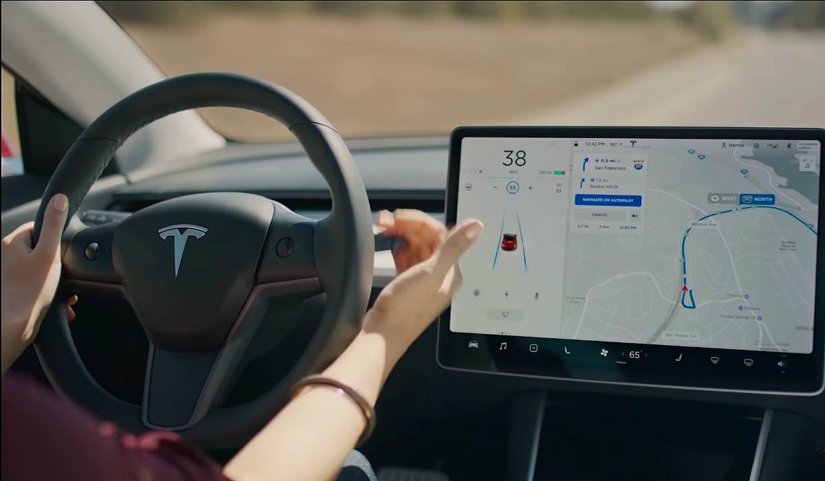 Tesla afirma que Autopilot é 9 vezes melhor do que condutor humano