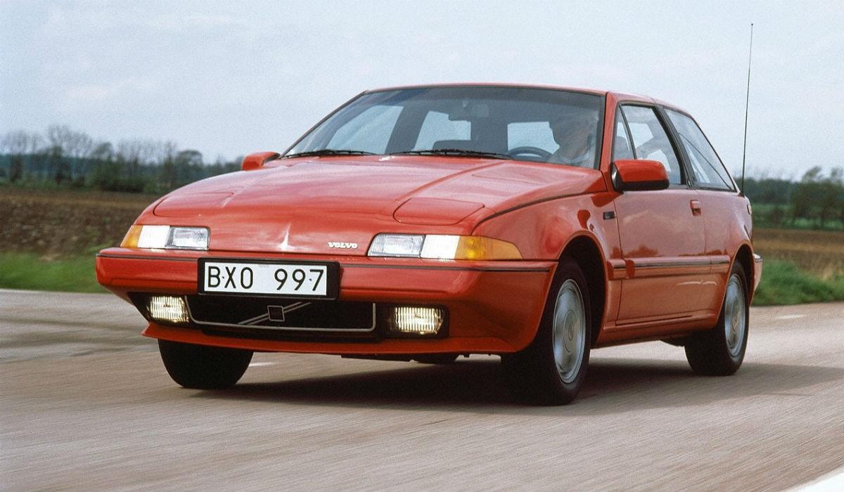 Volvo 480, o modelo que rompeu com o passado da marca sueca