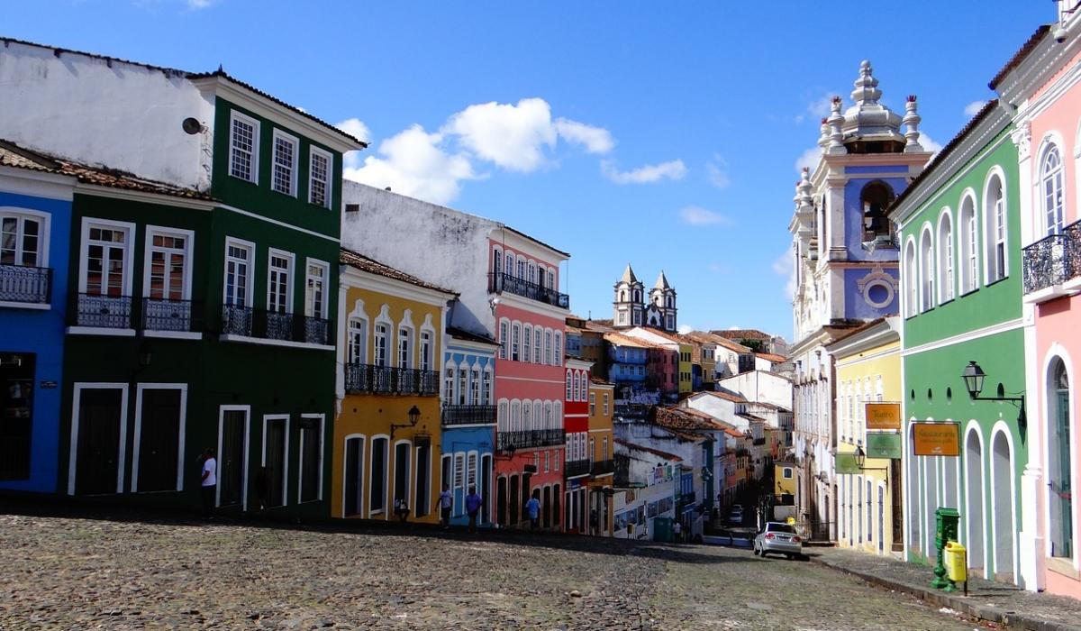 Salvador da Bahia, do Carnaval mais louco ao paradisíaco Morro de São Paulo ali tão perto