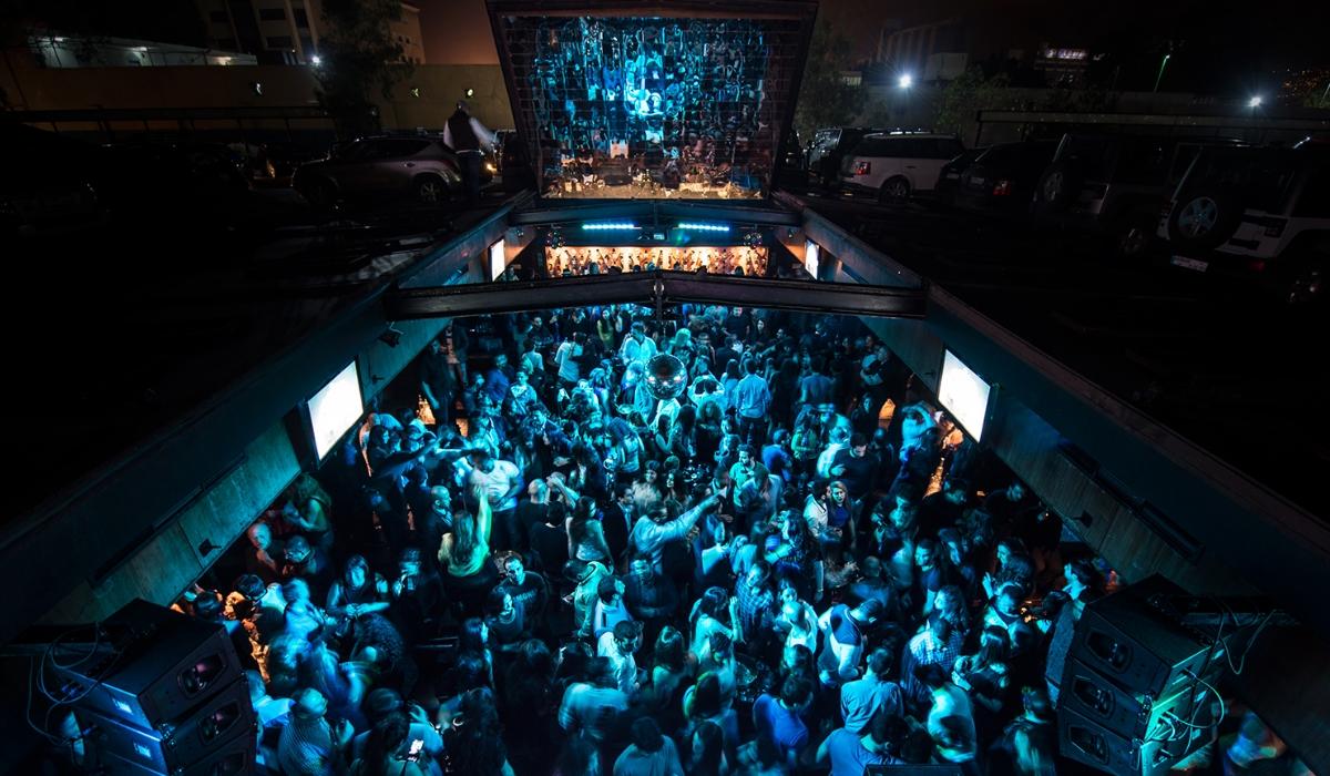 B018, uma das melhores discotecas do mundo fica num bunker