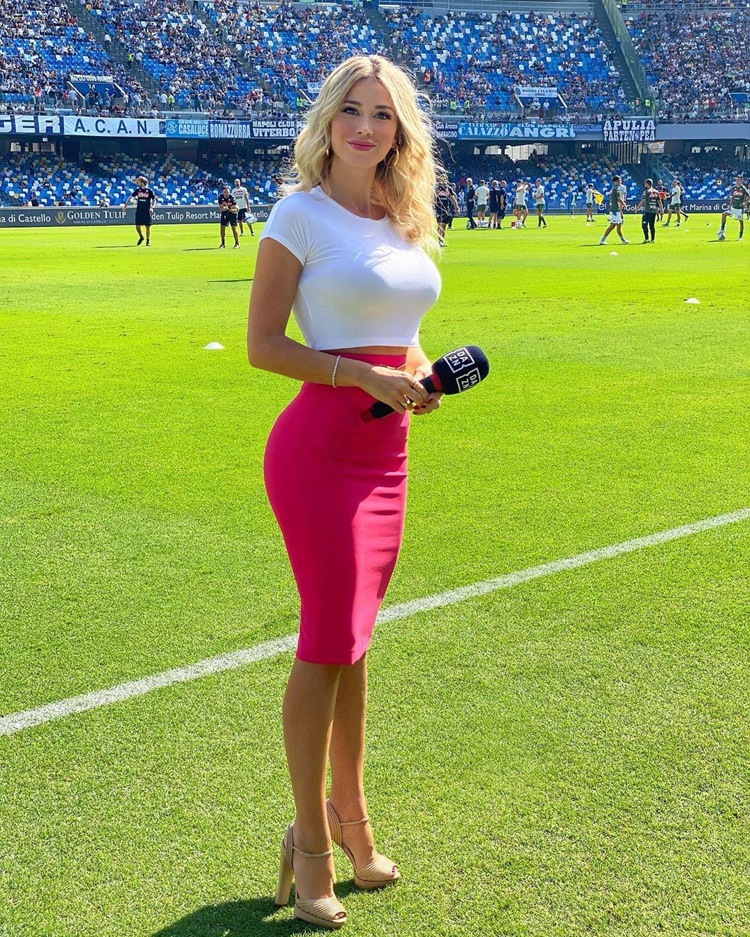Diletta Leotta, a jornalista que faz parar o futebol italiano