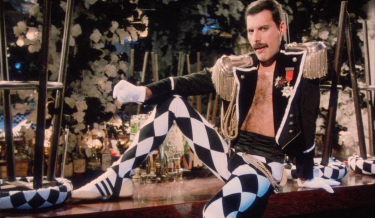 Censurado por promiscuidade, vídeo de Living On My Own, de Freddie Mercury, ganha nova vida