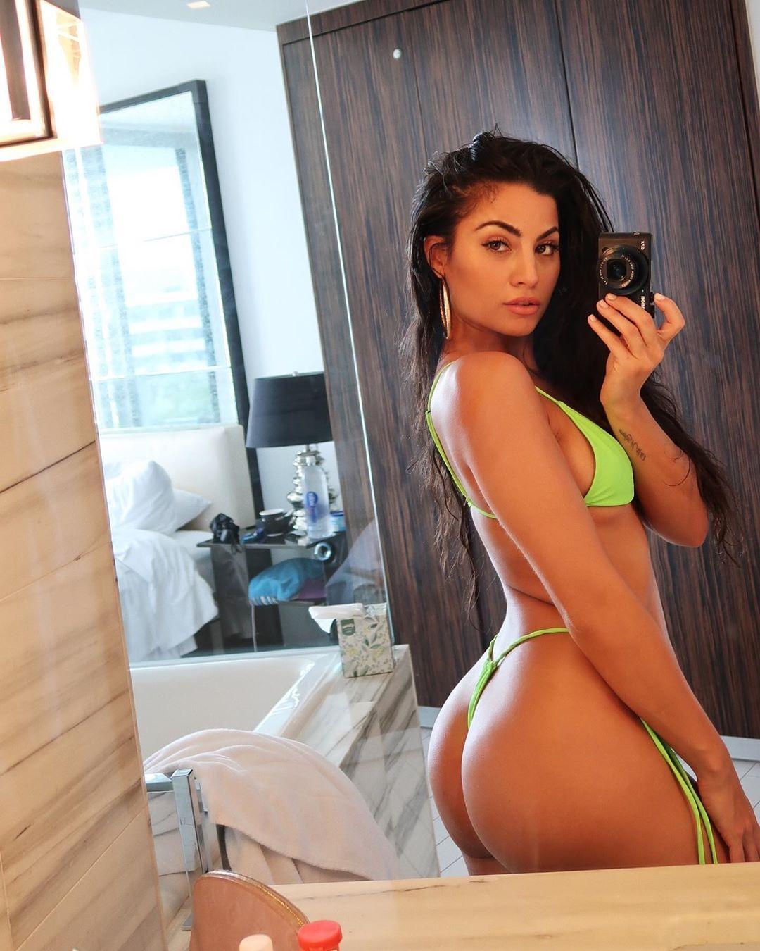 Mónica Álvarez, a bartender mais sexy de Nova Iorque
