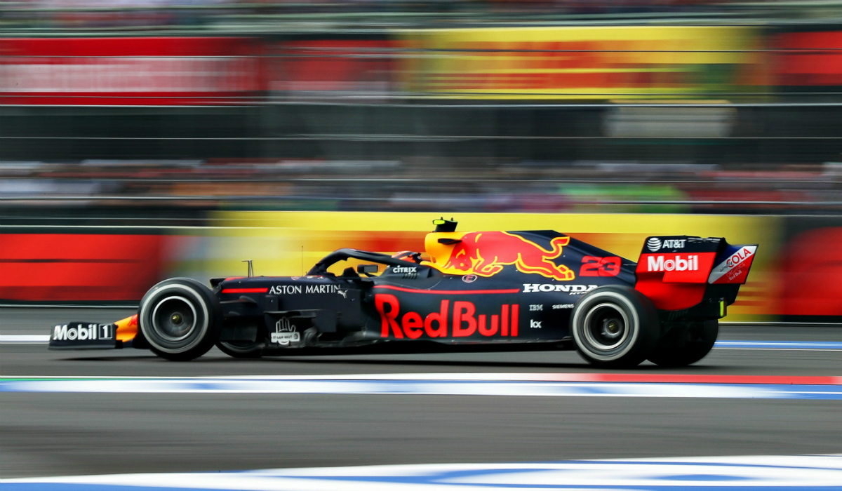 Alexander Albon continua na Red Bull F1 em 2020