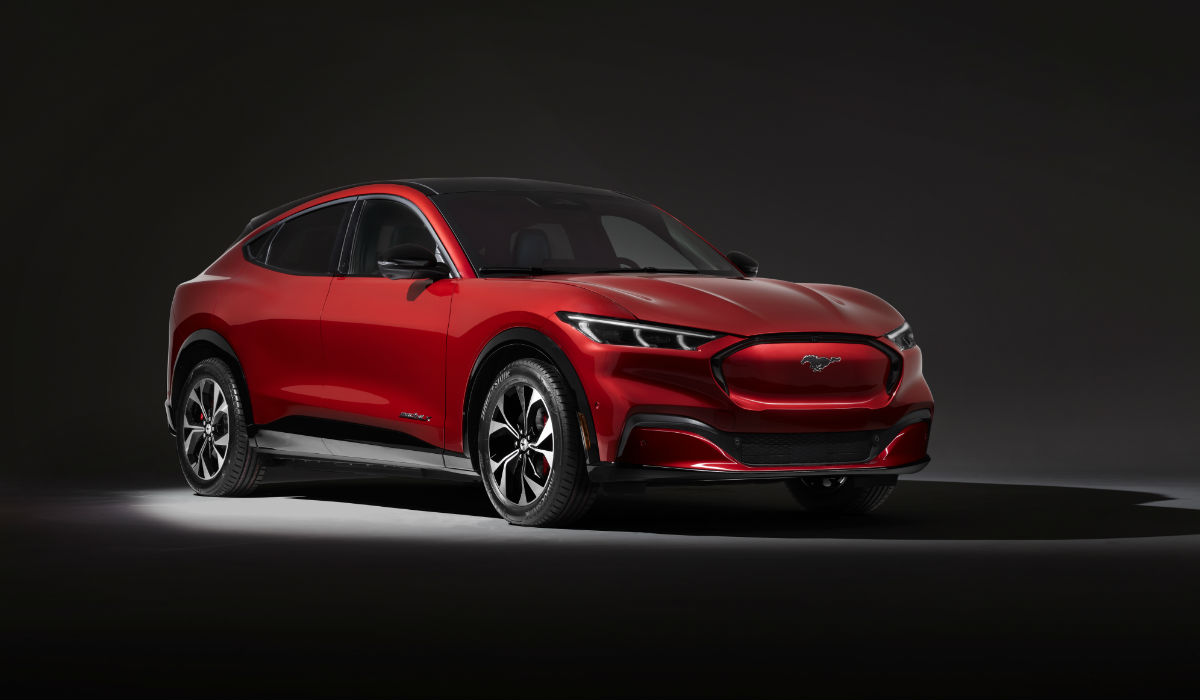 Ford Mustang Mach-E, o novo SUV elétrico da oval azul já é oficial