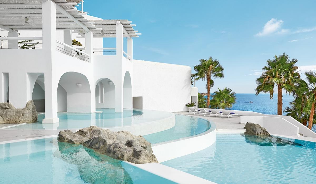 Mykonos Blu Grecotel, o resort exclusivo numa praia privada para umas férias de sonho