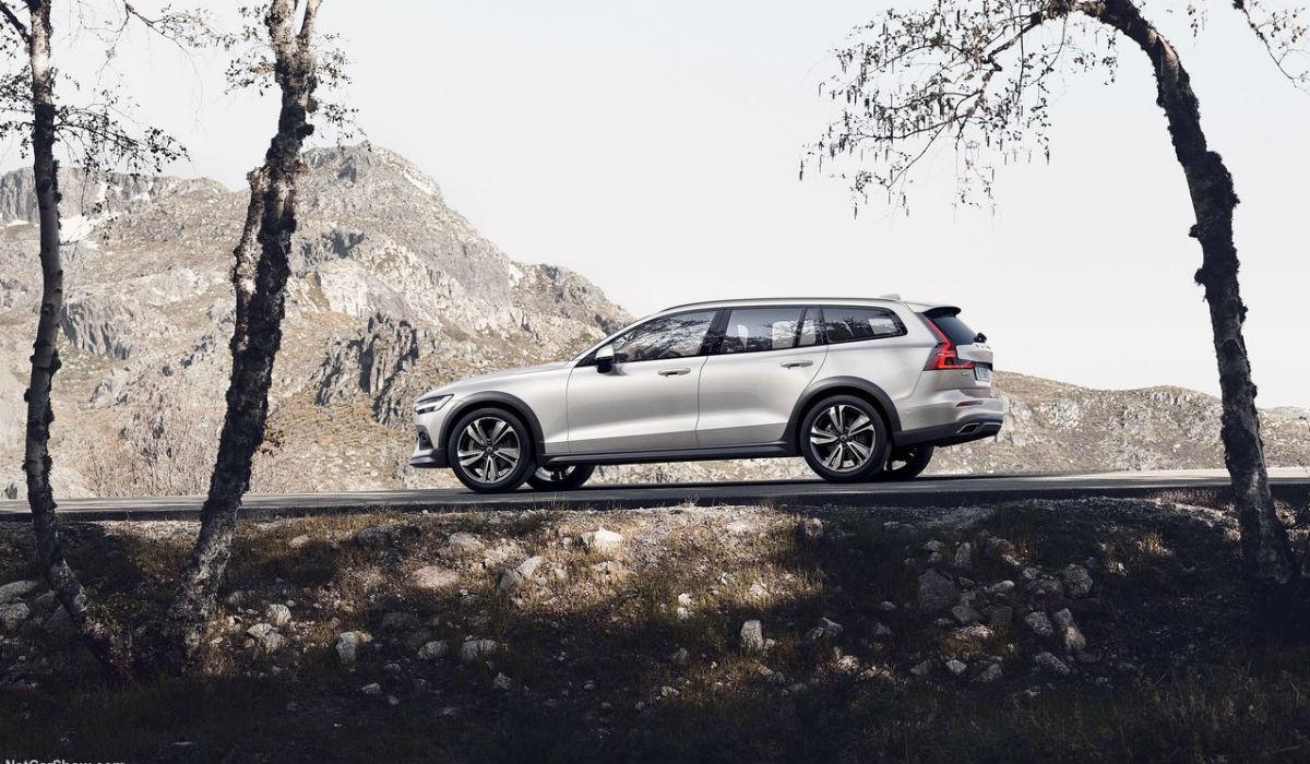 Nova Volvo V60 Cross Country chega a Portugal