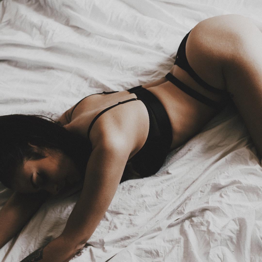 Elysia Nicole Downings e os benefícios de fazer sempre sexo no primeiro encontro