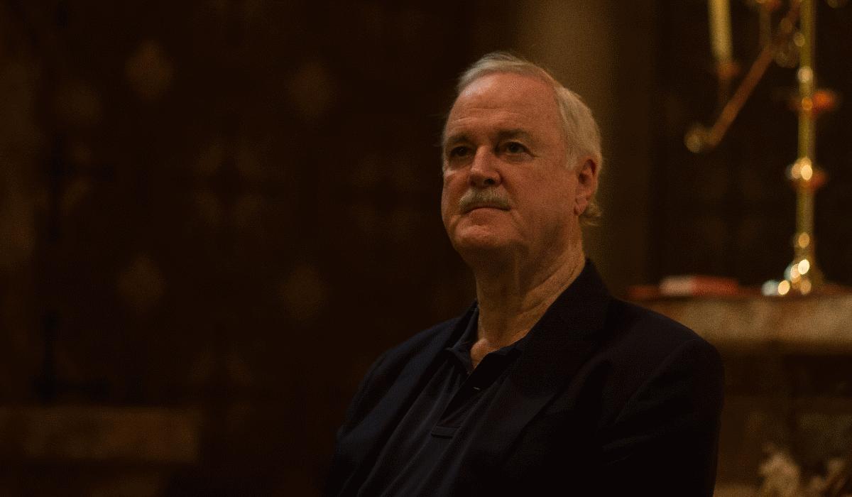 John Cleese, dos Monty Python, traz espetáculo de stand up a Portugal