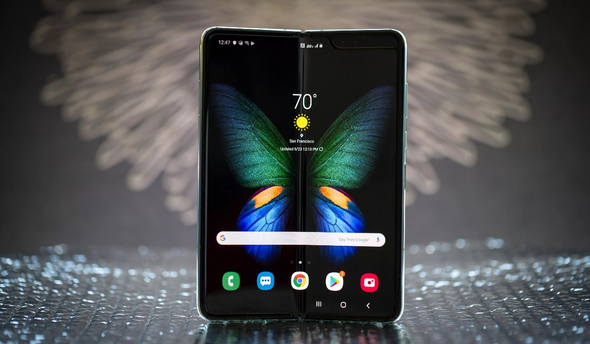 Samsung Fold chega a Portugal ainda a tempo do Natal