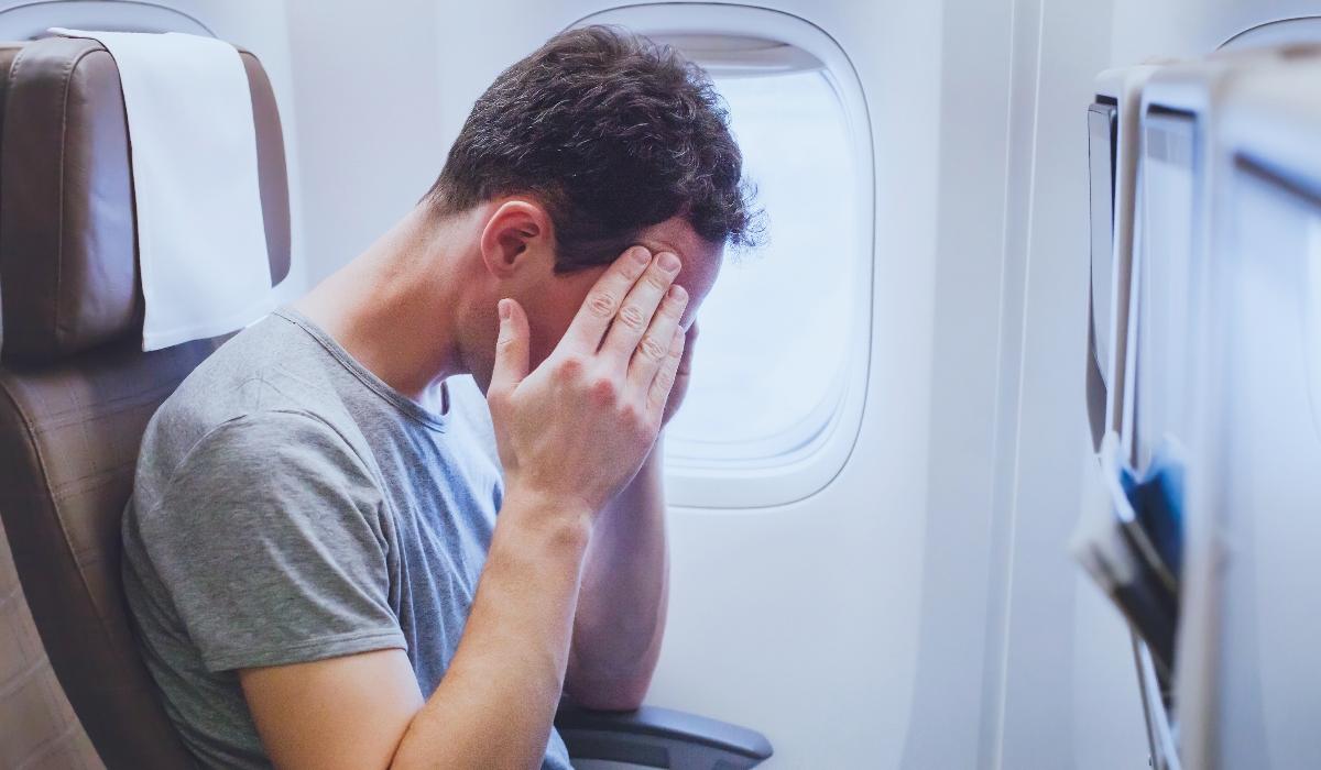 Viajar de avião pode provocar efeitos negativos sérios ao organismo
