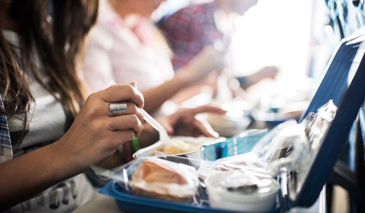 Santan é o primeiro restaurante que serve comida de avião