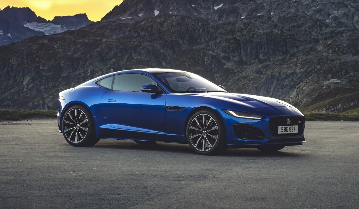 Jaguar apresenta renovado F-Type e aposta em revolução tecnológica